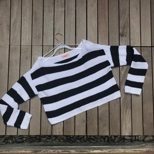 URBAN OUTFITTERS Black & White Striped Long Sleeve